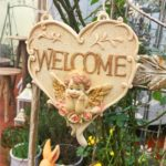 ガーデンプレート&ウェルカムプレートのガーデニング雑貨グッズ、ハートの形の中に「WELCOME」文字と半立体天使のドアプレート、ガーデニングプレートオブジェオーナメントjsplate001
