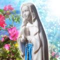 聖母マリア像置物、お祈りをしているマリア女神像、マリアオブジェオーナメントフィギア