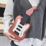 "<span class=""title"">ギターバッグ、ギター型バッグ、ギターカバン、ギター型に銀色の星が3つ装飾してあるショルダーバッグ、チェーンバッグ、合成皮革バッグ、レディースバッグenbaguitar001</span>"