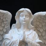"""<span class=""""title"""">大天使置物のエンジェル人形、天使女神、大きな翼を広げ目をつむり手を合わせてお祈りしている天使人形、エンジェルオブジェ、オーナメントフィギアjsangel007</span>"""
