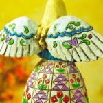 "<span class=""title"">天使置物のエンジェル人形、天使女神、翼を広げ微笑んでいる木彫り彫刻風のドレスが美しい天使人形、エンジェルオブジェ、オーナメントフィギアjsangel009</span>"