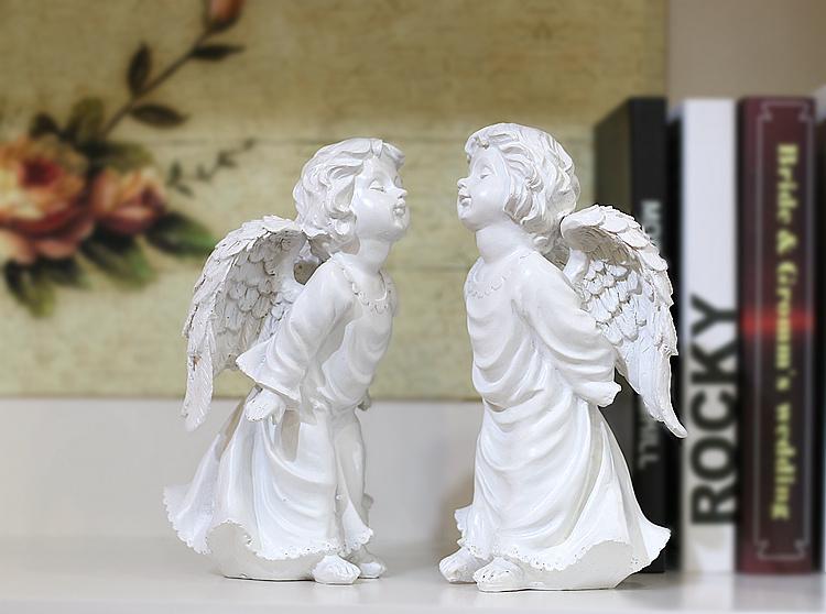 ツイン天使置物、エンジェル人形、天使雑貨グッズ、二人で向き合ってキスのポーズをしている可愛い天使人形、エンジェルオブジェオーナメントフィギア