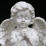 """<span class=""""title"""">天使置物、エンジェル人形、天使雑貨グッズ、手を握りしめて目をつむり可愛い笑みを浮かべている天使人形、エンジェルオブジェオーナメントフィギアjsangel012</span>"""