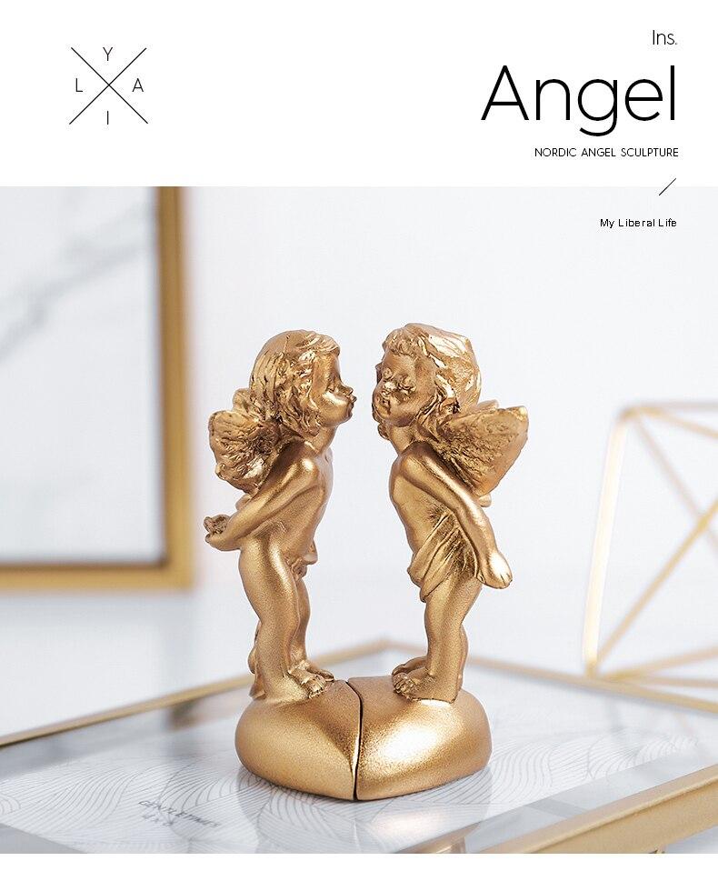 ツイン天使置物、エンジェル人形、天使雑貨グッズ、二人で向き合って男の子天使が女の子天使にキスをしている天使人形、エンジェルオブジェオーナメントフィギア