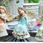 "<span class=""title"">天使置物、エンジェル人形、天使雑貨グッズ、頭に花冠をつけて花柄の服を着た動物たちとたわむれる天使人形、エンジェルオブジェオーナメントフィギアzcbeangel001</span>"